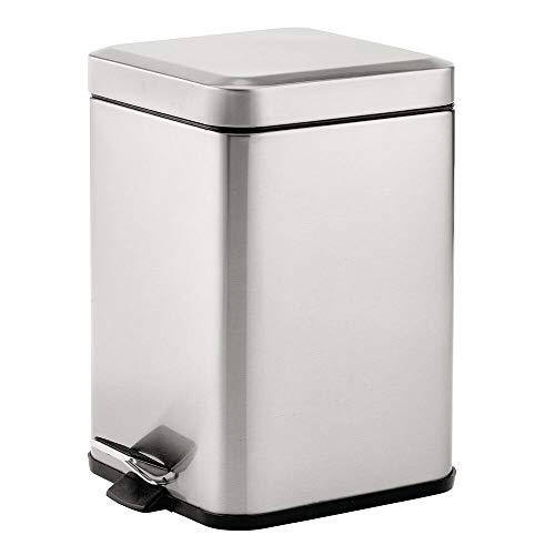 mDesign Papelera de baño Cuadrada de 6 litros – Cubo de Basura con Pedal, tapadera y cubeta de plástico – Elegante contenedor de residuos para cosméticos, baño, Cocina u Oficina – Plateado Mate