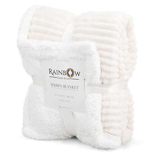 Rainbow Cool Stuff Manta Sherpa de calidad, increíblemente suave y acogedora. 480 g/m². 127 x 152 cm. Ideal para relajarse, cama, sofá, coche. Gran regalo para familiares y amigos (marfil).