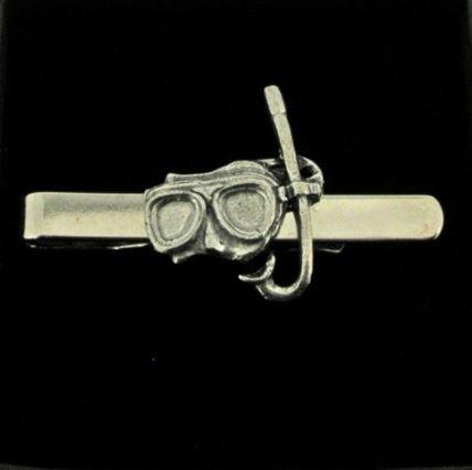 Maske und Schnorchel Krawattennadel Code PP aus feinem englischen Moderne Zinn auf einer Krawatte Clip (Slide) geschrieben von uns Geschenke für alle 2016von Derbyshire UK