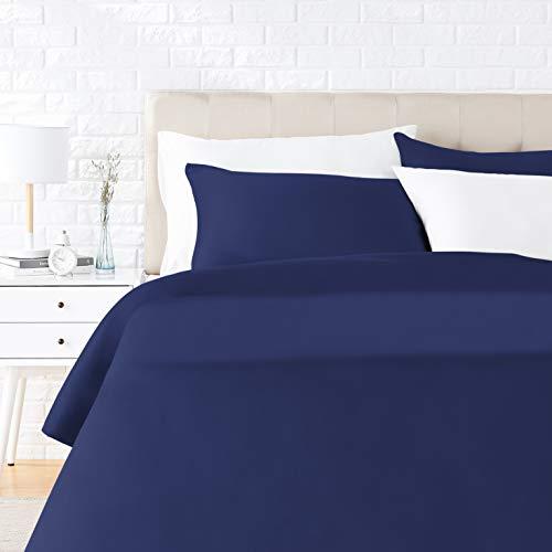 Amazon Basics - Juego de ropa de cama con funda de edredón, de satén, 230 x 220 cm / 50 x 80 cm x 2, Azul oscuro