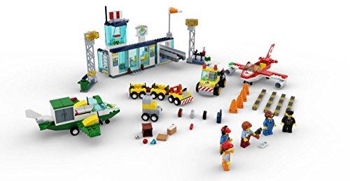 LEGO Juniors City Central Airport 10764 Building Kit (376 Pieces)