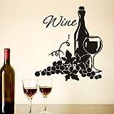 sanzangtang Zwei Cluster von Trauben und Weinflaschen