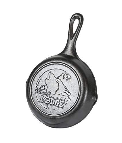 Lodge Wildlife Series Gusseisen-Bratpfanne mit Wolfs-Szene, 16,5 cm, Schwarz