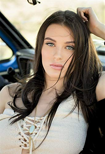 bucraft Lana Rhoades Sexy with Her Pink Lips 8x10 Picture Celebrity Print