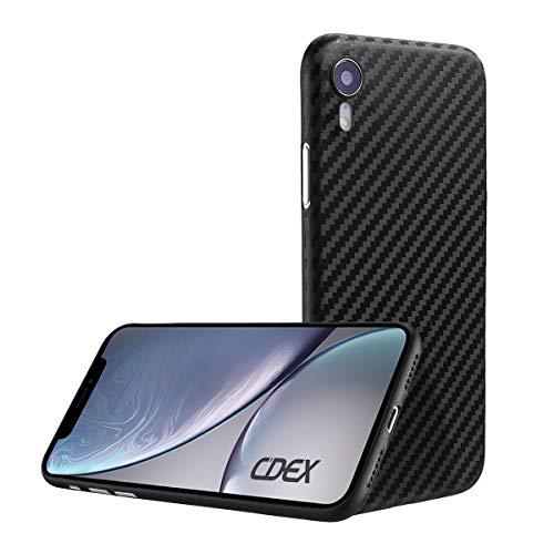 doupi UltraSlim Custodia per iPhone XR (iPhone 10r) 6,1 Pollici, Carbon Fiber Look Fibra di Carbonio ottiche Piuma Facile Cover Hardcase, Nero