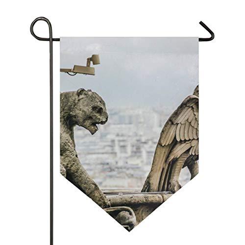Wasserspeier auf dem Dach Notre Dame de Paris Gartenfahne Haus Banner lange Polyester dekorative Flagge für Hochzeitsfeier Hof Home Outdoor Dekor Saison Veranda Rasen doppelseitig 12 x 18,5 Zoll