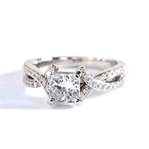 Anillo de compromiso de oro blanco de 18 quilates con diamante entrelazado de corte princesa VS2 F de 0,80 quilates