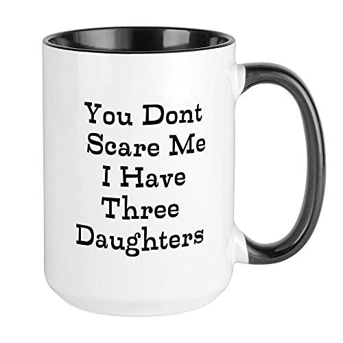 XCNGG No me asustas Tengo tres tazas de las hijas Taza de café, grande 15 oz. Taza de café con leche