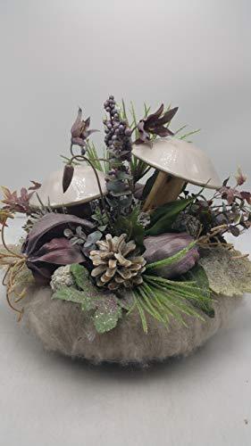 Seidenblumengesteck Wintergesteck Kunstblumen Pilze Blüten Zapfen Beeren lila