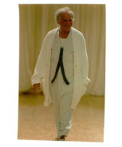 Vintage photo of Fashion,The oldies look at the yohji yamamoto mens.