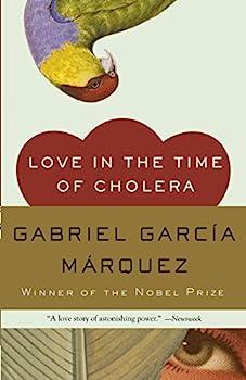 Paperback Love in the Time of Cholera (Oprah's Book Club) Book