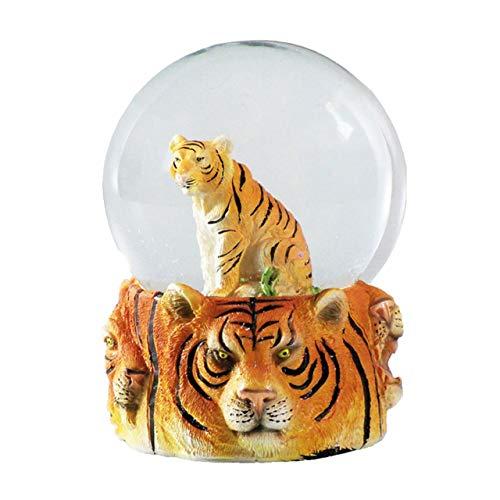 Water Globe - Tigre de Deluxebase. Bola de Nieve de Tigre con Figura de Resina y Base Moldeada. Genial como decoración hogar, Adorno o Regalo. (Diseño seleccionado al Azar de 2 Colores)
