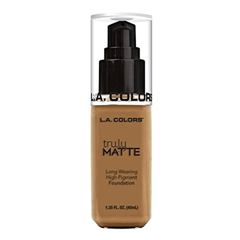 借りる活発夢中(3 Pack) L.A. COLORS Truly Matte Foundation - Warm Caramel (並行輸入品)