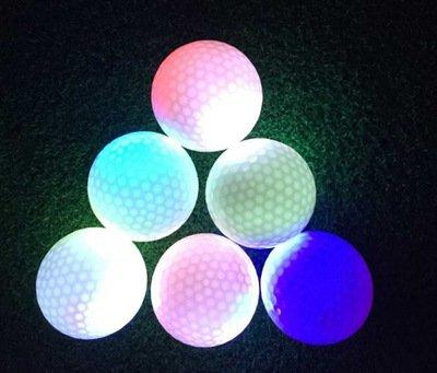 Leuchtende Golfbälle, 6 Stück Golf Übungsbälle, LED Leuchte Golf, Elektronische LED Leuchtgolfbälle für Nachttraining Mit Großer Reichweite und Distanzschüssen (Blaulicht) (Grünes Licht) - 6
