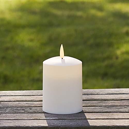 Lights4fun TruGlow® Kerze mit warmweißer LED Flamme und Timer 10cm Innen und Außen