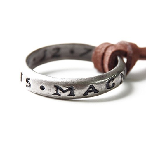 Uncharted Nathan Drake's Ring with Necklace Strap From Collector's Edition by Uncharted [並行輸入品]