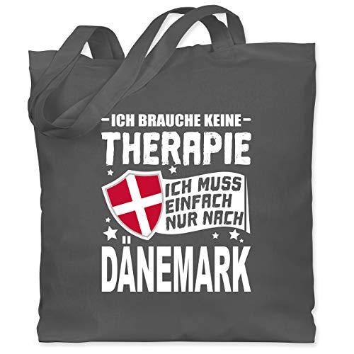 Shirtracer Länder - Ich brauche keine Therapie Ich muss einfach nur nach Dänemark - weiß - Unisize - Dunkelgrau - stoffbeutel dänemark - WM101 - Stoffbeutel aus Baumwolle Jutebeutel lange Henkel