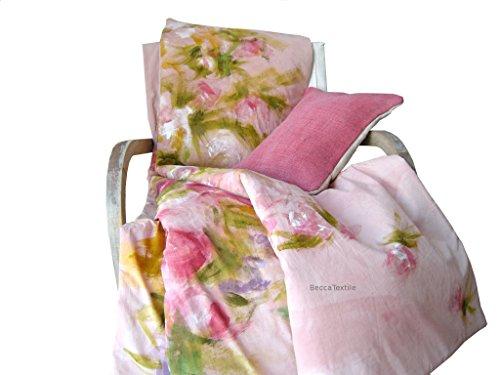 Einzigartiges decke mit exklusivem Design. Rosa Bettdecke mit handbemalten Blumen, da ist nur einer, exklusiv auf Linie, BeccaTextile.