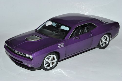 Highway 61 Plymouth Cuda Concept 2011 Coupe Violett 1/18 Modell Auto