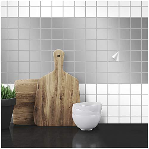 Wandkings Fliesenaufkleber - Wähle eine Farbe & Größe - Silber Seidenmatt - 2,2 x 2,2 cm - 50 Stück für Fliesen in Küche, Bad & mehr