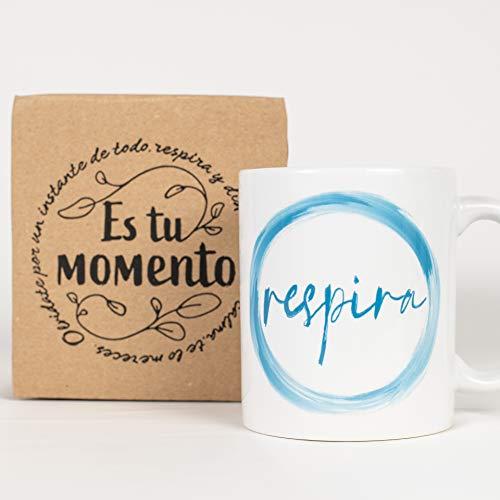 Taza Desayuno con Mensaje Respira_ Regalos Originales para Mujer_ Taza café Infusiones o Decoración Hogar en Cerámica de Alta Calidad.
