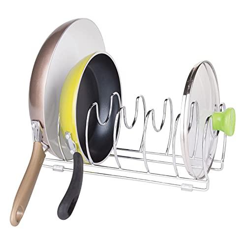 mDesign Organizador de sartenes y tapaderas – Soporte de metal cromado con 6 compartimentos para sartenes y tapas de ollas...
