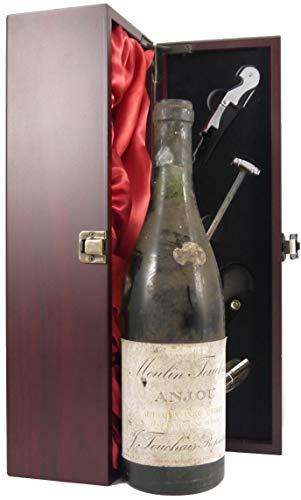 Moulin Touchais Anjou 'Reserve de Fondateur' 1959 Touchais in einer mit Seide ausgestatetten Geschenkbox. Da zu vier Wein Zubehör, Korkenzieher, Giesser, Kapselabschneider,Weinthermometer, 1 x 750ml