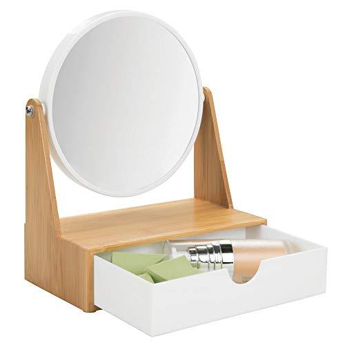 mDesign drehbarer Badezimmerspiegel - freistehender Schminkspiegel fürs Badezimmer mit Ablage - runder Spiegel aus Kunststoff und Bambus für den Waschtisch mit Schublade - bambusfarben und weiß