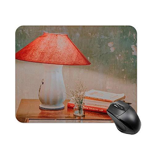 Vintage Tischlampe und Buchmaus Pad