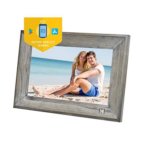 KODAK Cornice digitale classica in legno 1013 W, schermo touch da 10 pollici, Wi-Fi abilitato, stoccaggio Cloud, 16 GB di memoria interna con funzione foto, musica, video, ecc.