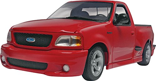 Revell 1999 Ford SVT F-150 Lightning 1/25 Scale Plastic Model Car Kit