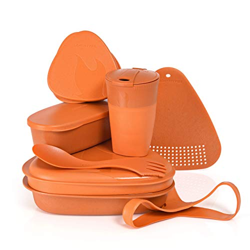 Light My Fire Vajilla Camping - Kit Picnic 8 Cubiertos Camping - Vajilla Plastico Reutilizable 100% sin BPA - Microondas y Lavavajillas - Cubiertos para Llevar Acampada Senderismo Almuerzo Picnic Set