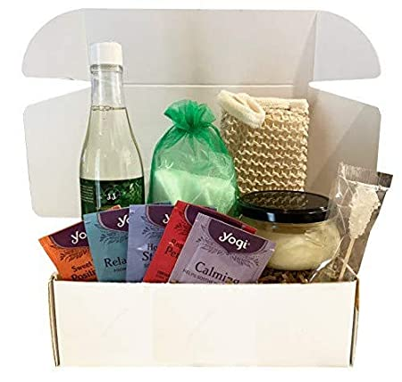 Luxury Spa Gift Baskets for Women (Refined Collection, 10 pieces, Eucalyptus Spearmint)