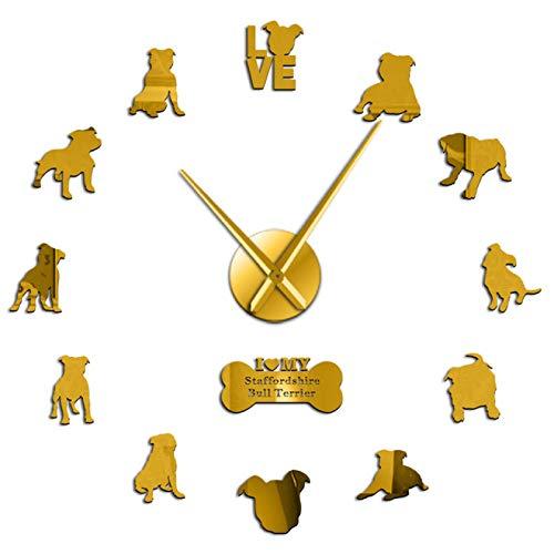 hufeng Reloj de pared Staffordshire Bull Terrier Raza Reloj de pared inteligente y leal perro de pelo corto pegatinas de pared sin marco DIY reloj decoración de habitación oro 37 pulgadas