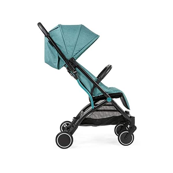 Chicco Trolley Chicco Trolley function to carry the stroller without lifting it Compact one-handed quick locking system, when closed stand alone Bumper sleeve with front opening for the child on the seat 3