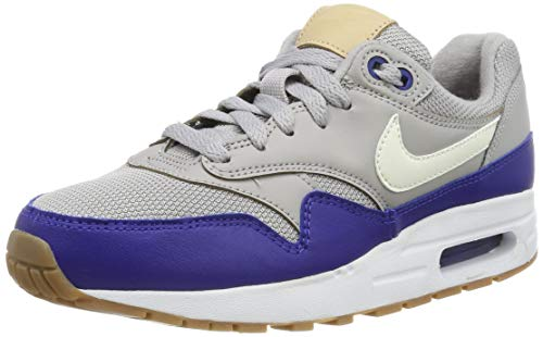 Nike Herren AIR MAX 1 (GS) Fitnessschuhe, Mehrfarbig (Atmosphere Grey/Sail/Deep Royal Blue 010), 39 EU