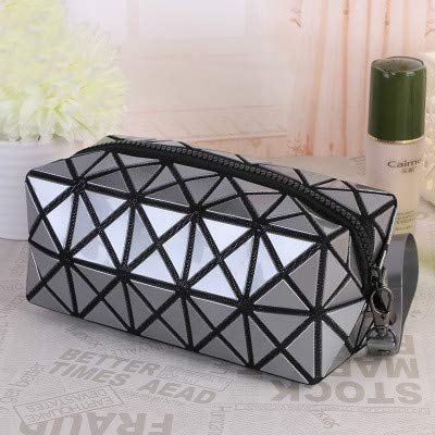 New Women Geometric Zipper Cosmetic Bag Large Storage Package Diamond Makeup Bag Laser Flash Leather Ladies Cosmetic Cases Silver Grey