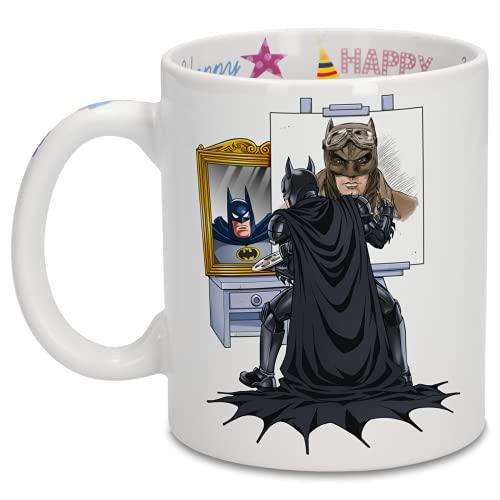 OKIWOKI Taza de cumpleaños con impresión en el asa, en el Interior y en el Exterior - Parodia de Batman- Batman El Caballero Oscuro (Taza de Primera Calidad - Impresa en Francia - Réf : 1220)