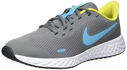 Nike Revolution 5 (GS), Running Shoe, Smoke Grey/Chlorine Blue-High Voltage-White, 37.5 EU