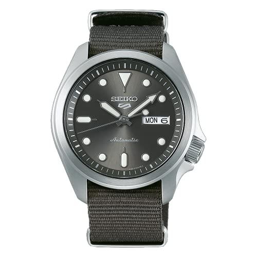 Reloj Seiko 5 Sports con Esfera Plateada y Correa de Nylon Gris para Hombre SRPE61K1