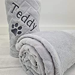 PERSONALISED PET BLANKET: Luxurious soft embossed personalised pet fleece blanket. PET BED BLANKET: 75cm x 100cm fleece blanket, suitable for pet beds and furniture. SUITABLE FOR ALL PETS: These blankets are perfect for dogs, puppies, cats and kitten...