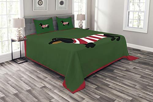 ABAKUHAUS Dackel Tagesdecke Set, Canine Cartoon-H&, Set mit Kissenbezügen Waschbar, für Doppelbetten 264 x 220 cm, Grün Bordeauxrot