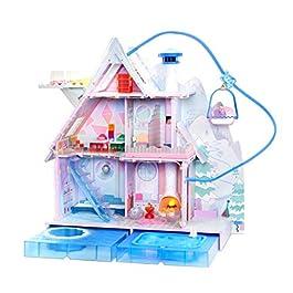 L.O.L. Surprise, Chalet Winter Disco – Chalet en Bois de 3 étages avec 2 Poupées 8cm, 1 pets 6cm et 95 Surprises…