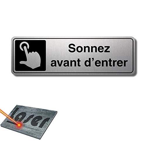 Plaque gravée autocollante 13x4cm Sonnez avant d'entrer fond Alu brossé