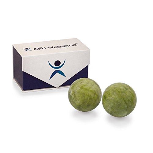 Meditation Qi-Gong-Kugel Paar | Yin Yang Steinkugel | STEIN JADE GRÜN | mit hochwertiger und wiederverschließbaren Aufbewahrung Magnetbox (Ø 50 mm)