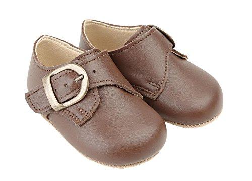 Scarpine primi passi Early Days in vera pelle colore Marron per bambino prodotte nel Regno Unito - James circa misure 18
