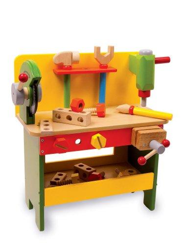Etabli en bois avec ses outils...en bois bien sur
