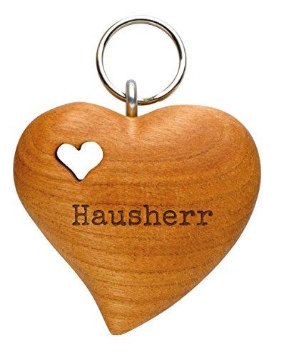 Schlüsselanhänger aus Holz für den Hausherr (naturbelassenes Zierholz, in Herzform, mit gefrästem Holzherz, Lasergravur)