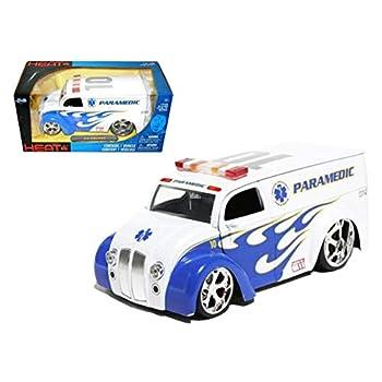 StarSun Depot Div Cruiser Bus Paramedics Ambulance 1/24 Model Car by Jada