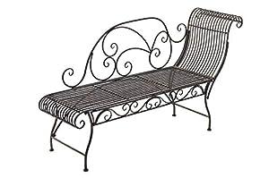 Ce banc de jardin avec la récamière impressionne par ses belles décorations! Il vous offre la place assise à 2 ou 3 personnes dans un jardin, jardin d'hiver ou dans un couloir Le design antique de cette chaise longue apporte une touche particulière d...